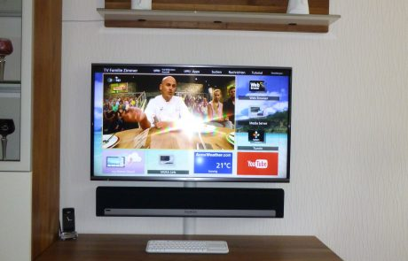 20LCD TV mit Sonos Soundbar