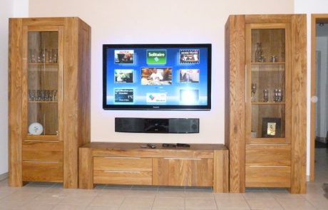 Plasma TV Panasonic und Soundbar