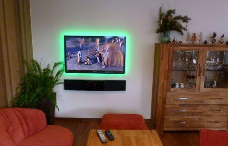 Plasma TV und Soundbar Panasonic