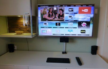 TV Pansonic und Soundsystem Bose